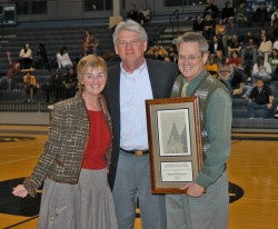 Williamson County Sun Publishers Linda Scarbrough and Clark Thurmond receive the first College Town Award from President J...