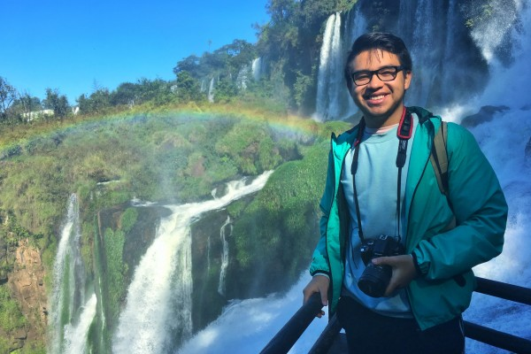 Armando Vidana '19 in front of Cataratas del Iguazú, the largest waterfall system in the world.