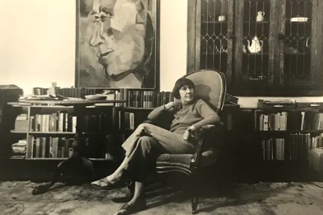 Elizabeth Tracy Montminy at her home. Photo courtesy of The Montminy Art Gallery at the Boone County History & Culture Center, Columbia, Missouri.